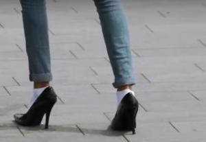 In andermans schoenen..